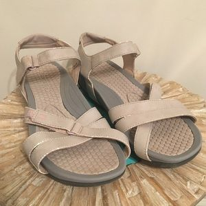 Baretraps sport sandals with Velcro straps
